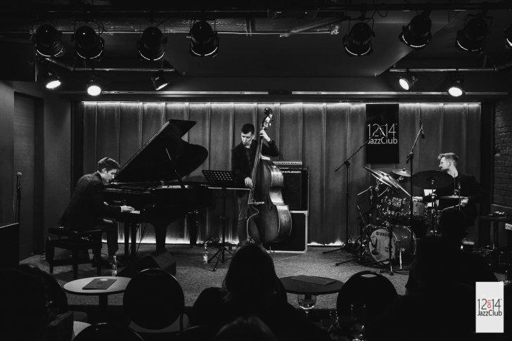 iedbała/Sikora/Przewoźniak Trio w trakcie koncertu w słynnym warszawskim klubie 12on14. Fot. Piotr Szajewski