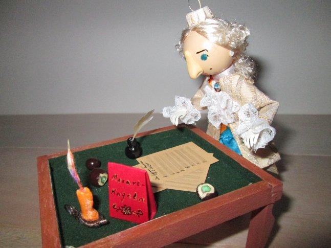 <p>Fot. Anna Markiewicz.<br />Na zdjęciu – W. A. Mozart. 12 cm. Rękodzieło. Handmade by Intertalentica</p>