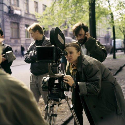Dorota Kędzierzawska na planie filmu Koniec świata (1988)   fot. Roman Sumik   Fototeka FINA