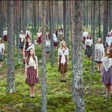 na zdj. ETV Girls' Group - Estoński chór tańczących i śpiewających dziewcząt