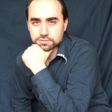 Piotr Ferens, autor powieści / mat. promocyjne wyd. Białe Pióre