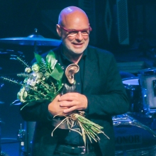 """Brian Eno odbiera nagrodę""""Człowieka ze Złotym Uchem"""""""